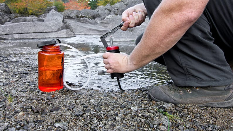 Best Hiking Water Filter: Reviews and Buying Guide (2019)